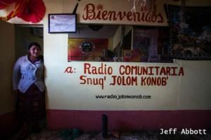 Ort der Pressefreiheit. Das Studio vom Snuq' Jolom Konob'. Foto: Jeff Abbott
