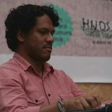 Rafael Salgado, ist Mitglied von Tierra y Libertad, einer linken Umweltpartei, die Teil des Bündnisses Frente Amplio ist. Für die Frente Amplio arbeitet er im Organisationskommittee und in der Kommission für internationale Beziehungen.