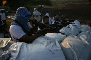 Im Auftrag der Zivilbevölkerung Autodefensas in Michoacán (Foto: Ester Vargas CC BY-SA 2.0)