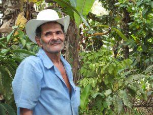 Kampf um Lebensformen: Der Kanalbau ist für Bauern wie Don Alfonso nur die Spitze des Eisbergs