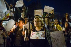 Herzen und Kerzen: Zeichen für das Bekenntnis zum Frieden (Foto William Aparicio)